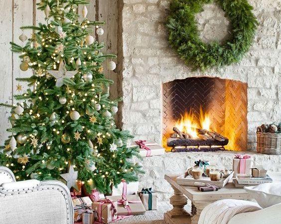 Amintiri, iubire şi pace. Crăciun întotdeauna fericit şi vesel.