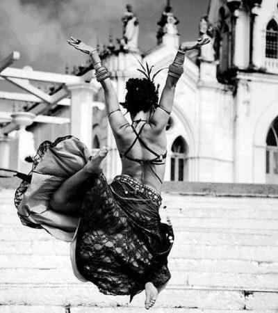 """Mi-ar fi plăcut să fiu dansatoare şi """"să zbor"""" pe scena."""
