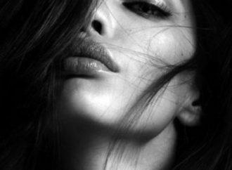Femeia compromisă unei iubiri nu este o femeie pierdută, ci una împlinită.