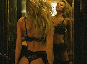 Ți-am alergat desculță-n gânduri până când m-ai convins să mă dezbrac….(erotic)